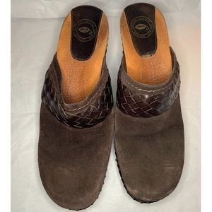 Nurture by Lamaze Brown Suede braided Clog Mules